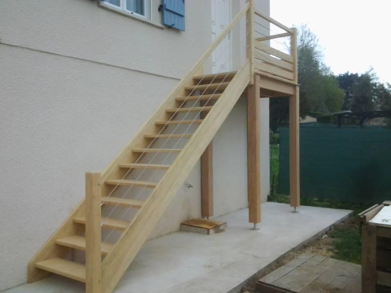 Escalier Droit Exterieur En Bois Exotique Avec Filins Inox