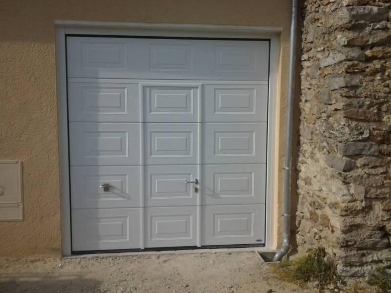 Porte Sectionnelle  Motorisee Avec Portillon